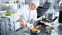 Four Reasons You Might Want to Change Your Catering Job