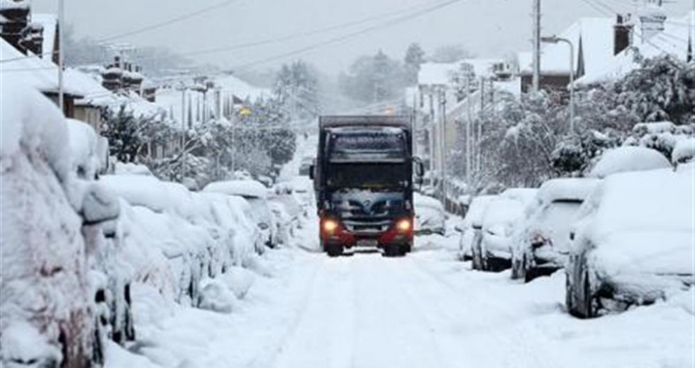Britons Turn to Adultery Site as Snowed in